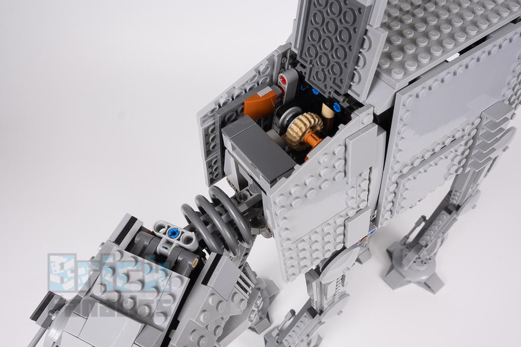 LEGO Star Wars 75288 AT AT 19