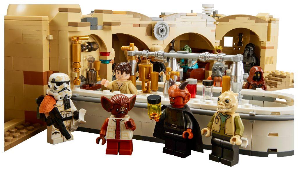 LEGO Star Wars 75290 Mos Eisley Cantina 4