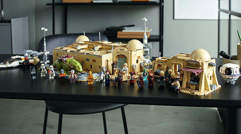 LEGO Star Wars 75290 Mos Eisley Cantina Featured 3