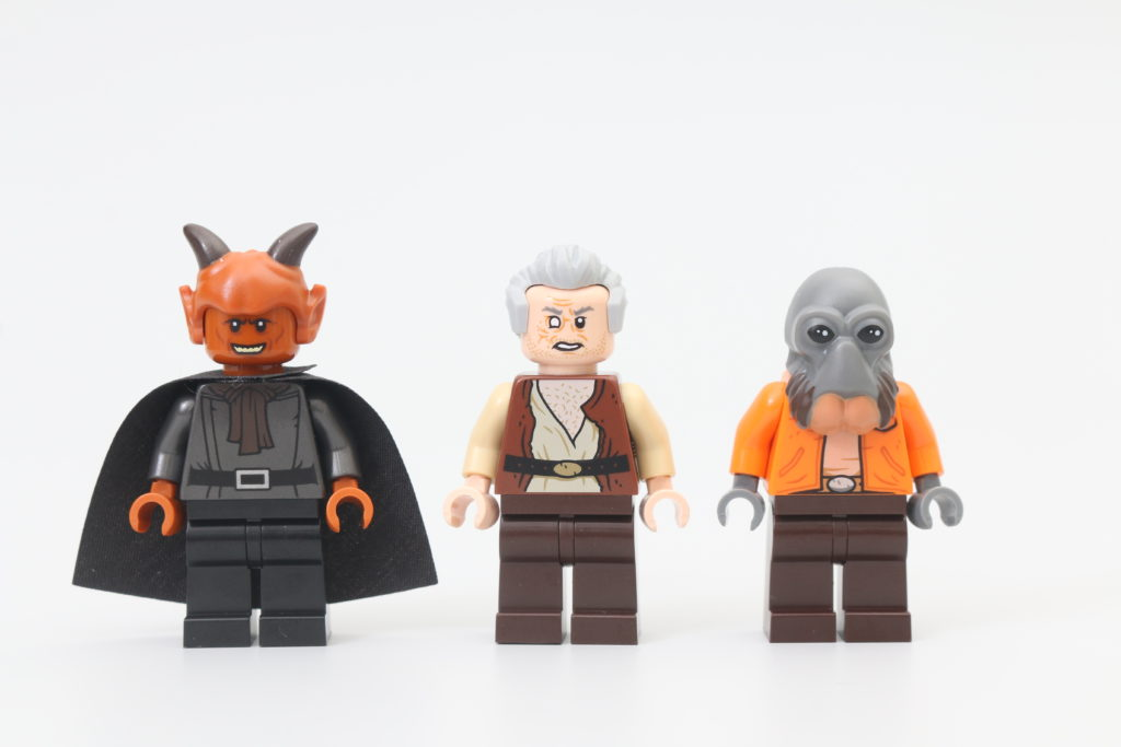 LEGO Star Wars 75290 Mos Eisley Cantina Review 1