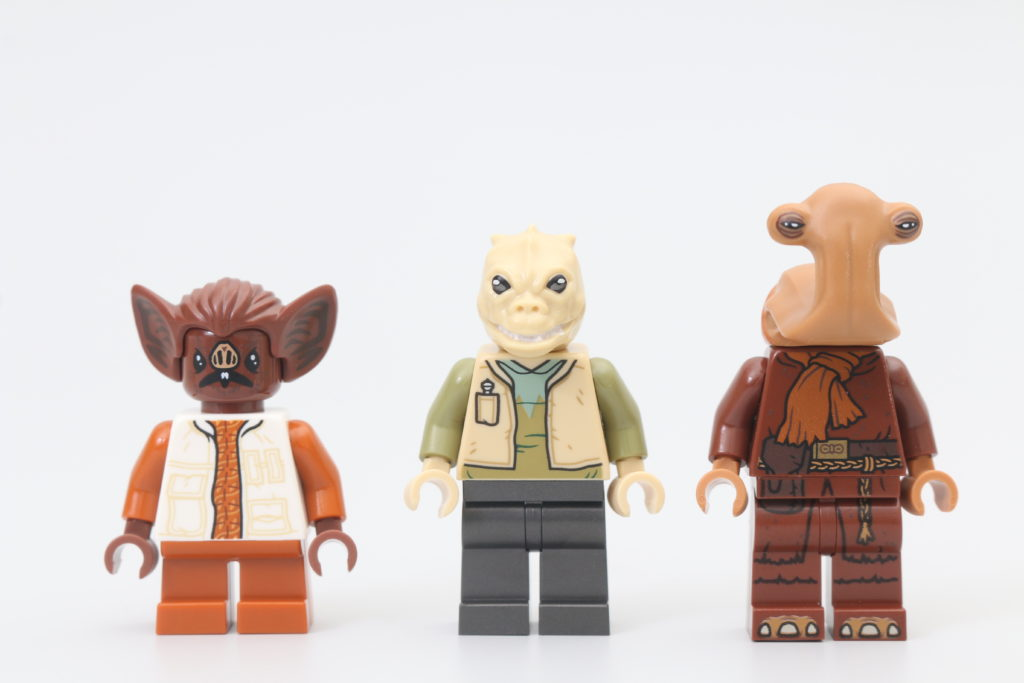 LEGO Star Wars 75290 Mos Eisley Cantina Review 11