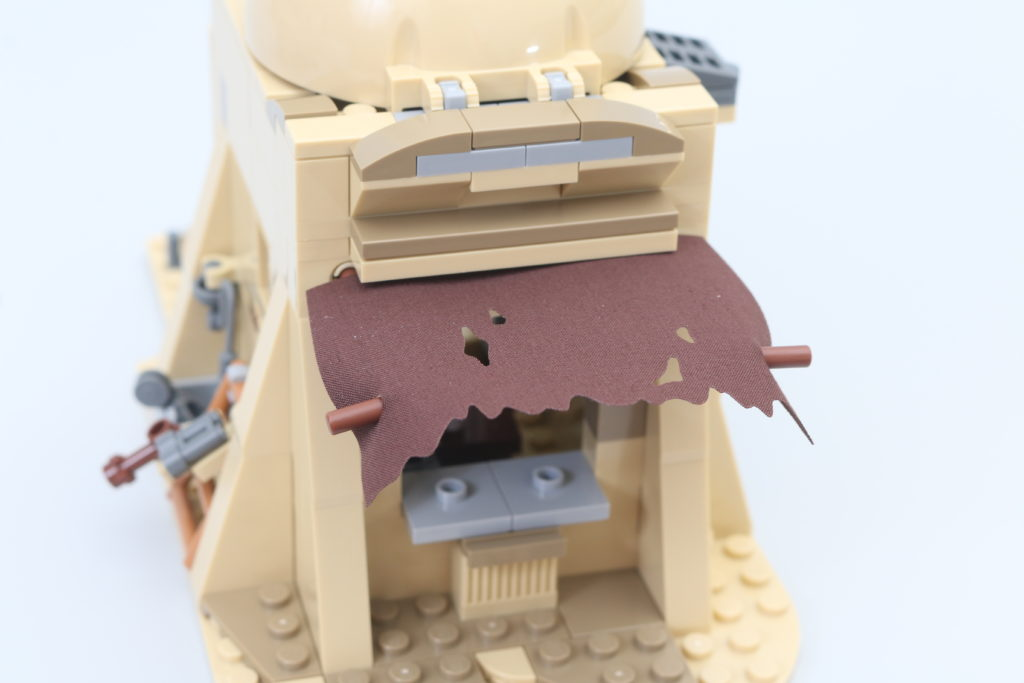 LEGO Star Wars 75290 Mos Eisley Cantina Review 20