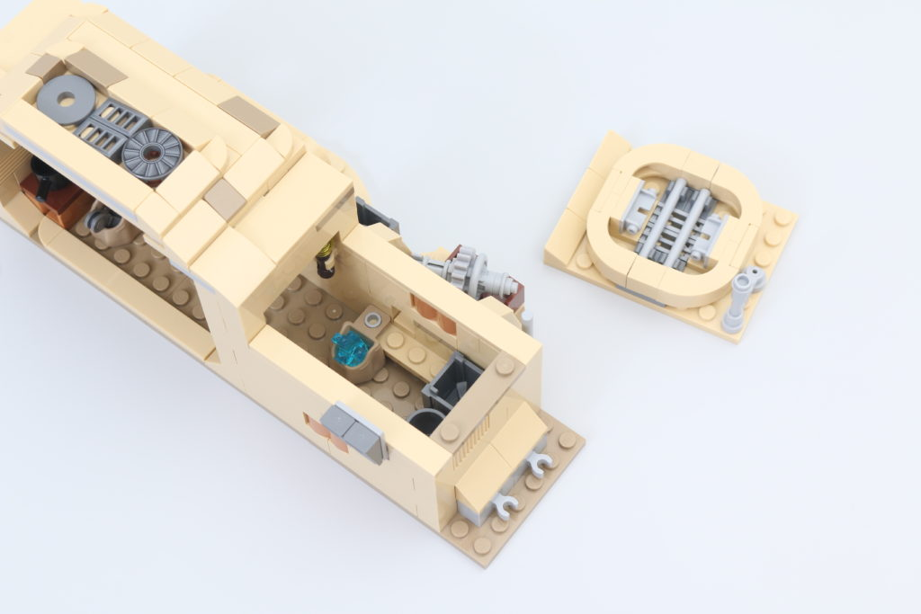 LEGO Star Wars 75290 Mos Eisley Cantina Review 22
