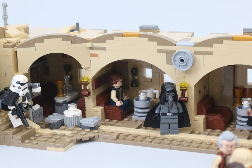 LEGO Star Wars 75290 Mos Eisley Cantina Review 62