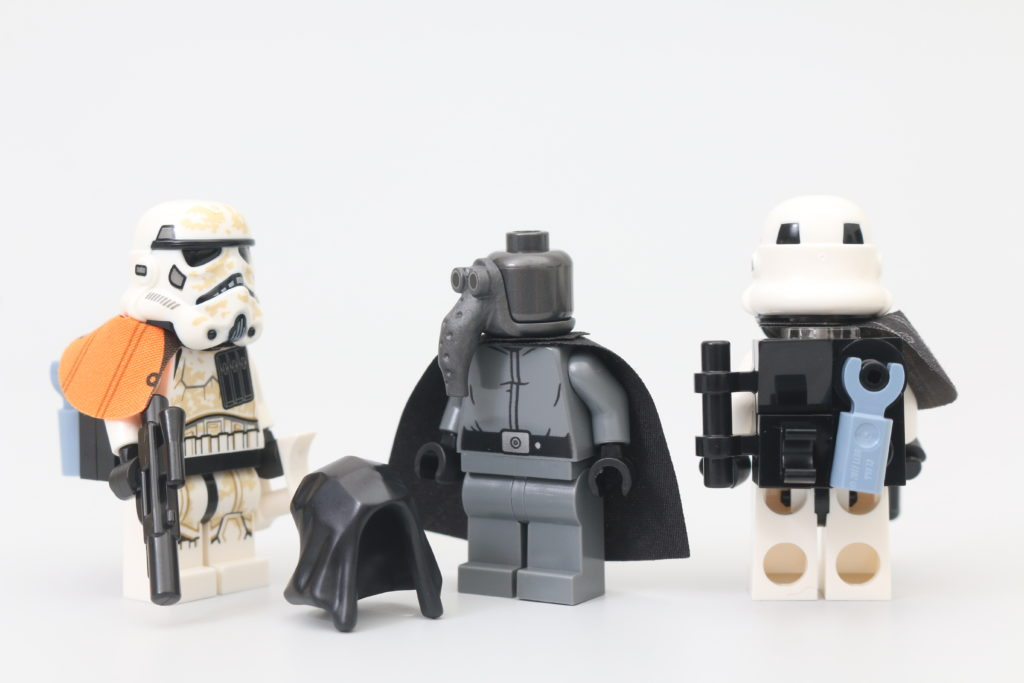 LEGO Star Wars 75290 Mos Eisley Cantina Review 8