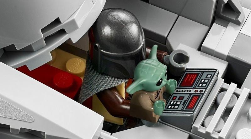 LEGO Star Wars 75292 Razor Crest Featured 2
