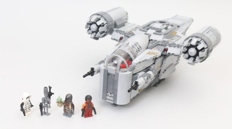 LEGO Star Wars 75292 The Mandalorian Bounty Hunter Transport The Razor Crest Featured 2 800x445