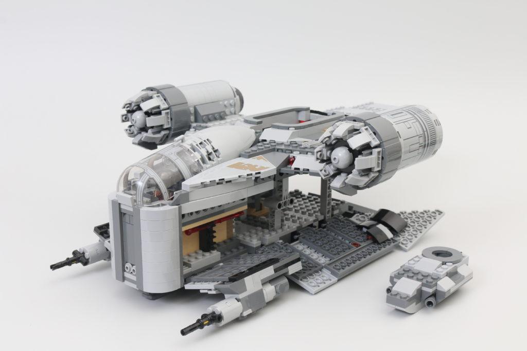 LEGO Star Wars 75292 The Mandalorian Bounty Hunter Transport The Razor Crest Review 12