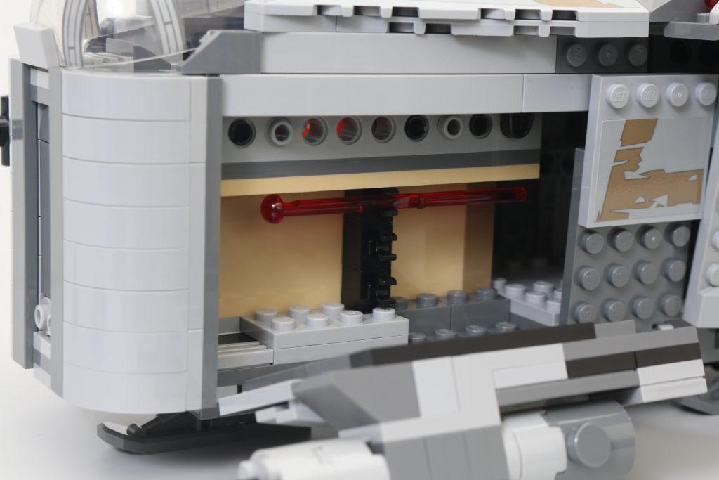 LEGO Star Wars 75292 The Mandalorian Bounty Hunter Transport The Razor Crest Review 20
