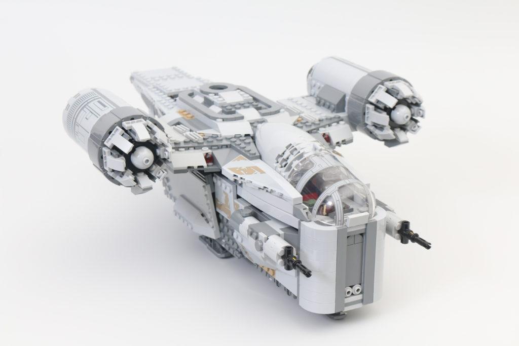 LEGO Star Wars 75292 The Mandalorian Bounty Hunter Transport The Razor Crest Review 22
