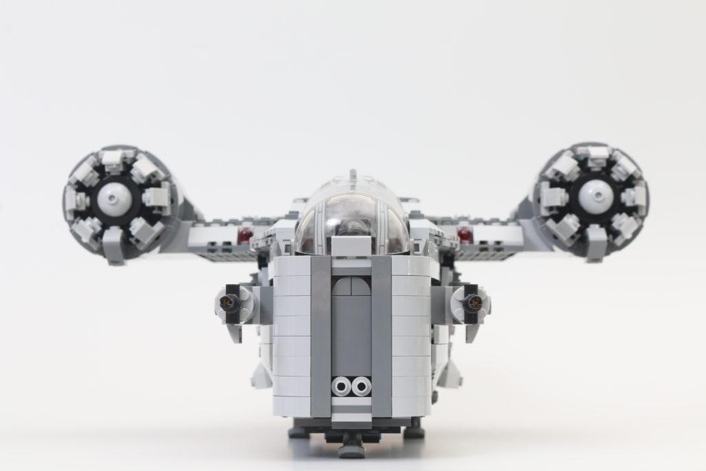 LEGO Star Wars 75292 The Mandalorian Bounty Hunter Transport The Razor Crest Review 26