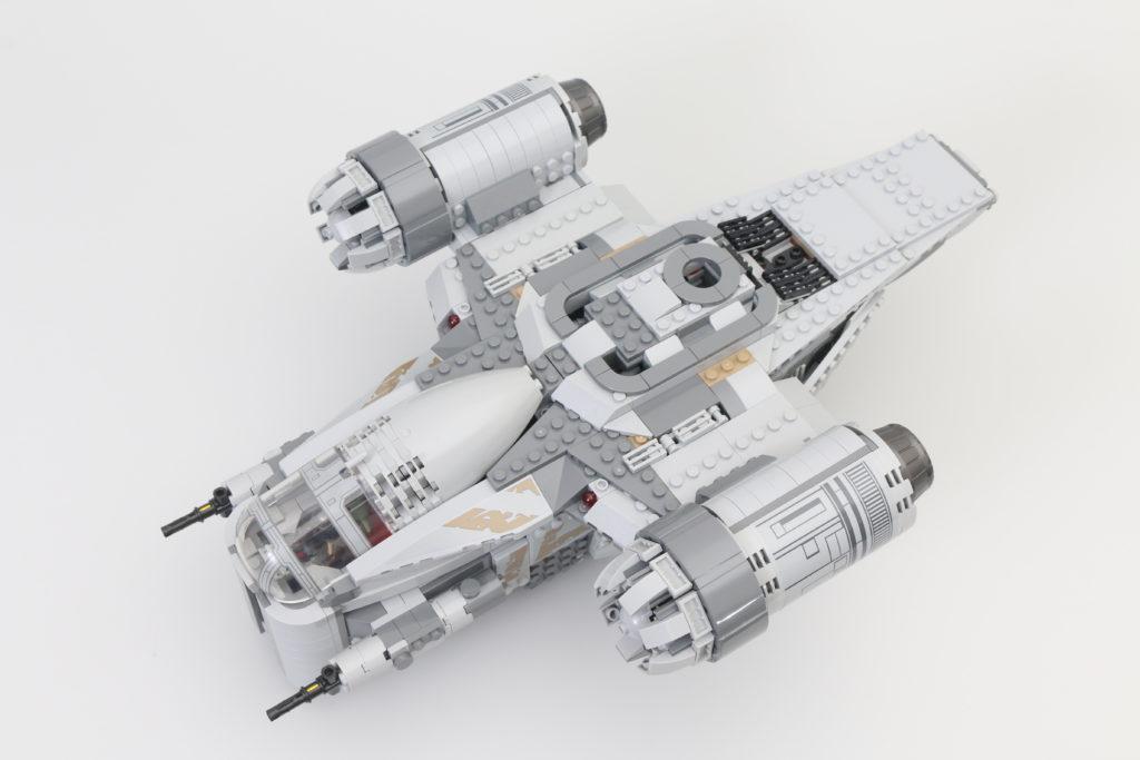 LEGO Star Wars 75292 The Mandalorian Bounty Hunter Transport The Razor Crest Review 27