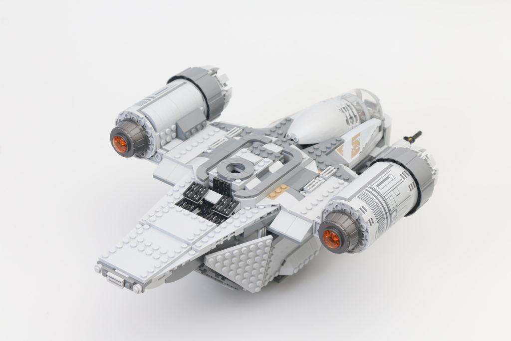 LEGO Star Wars 75292 The Mandalorian Bounty Hunter Transport The Razor Crest Review 29