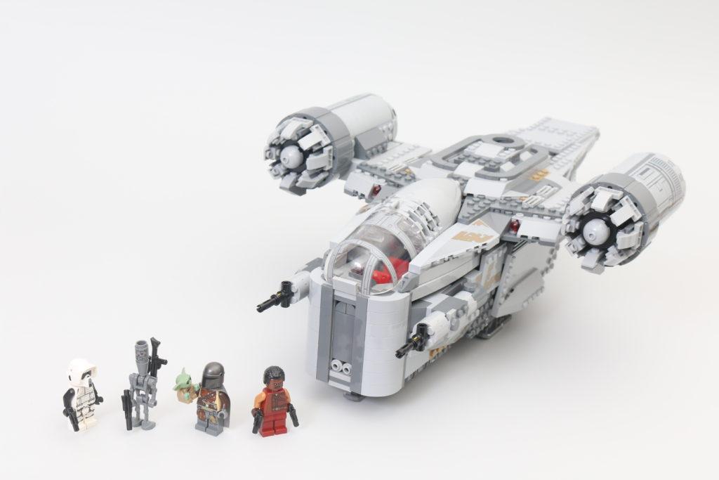 LEGO Star Wars 75292 The Mandalorian Bounty Hunter Transport The Razor Crest Review 30