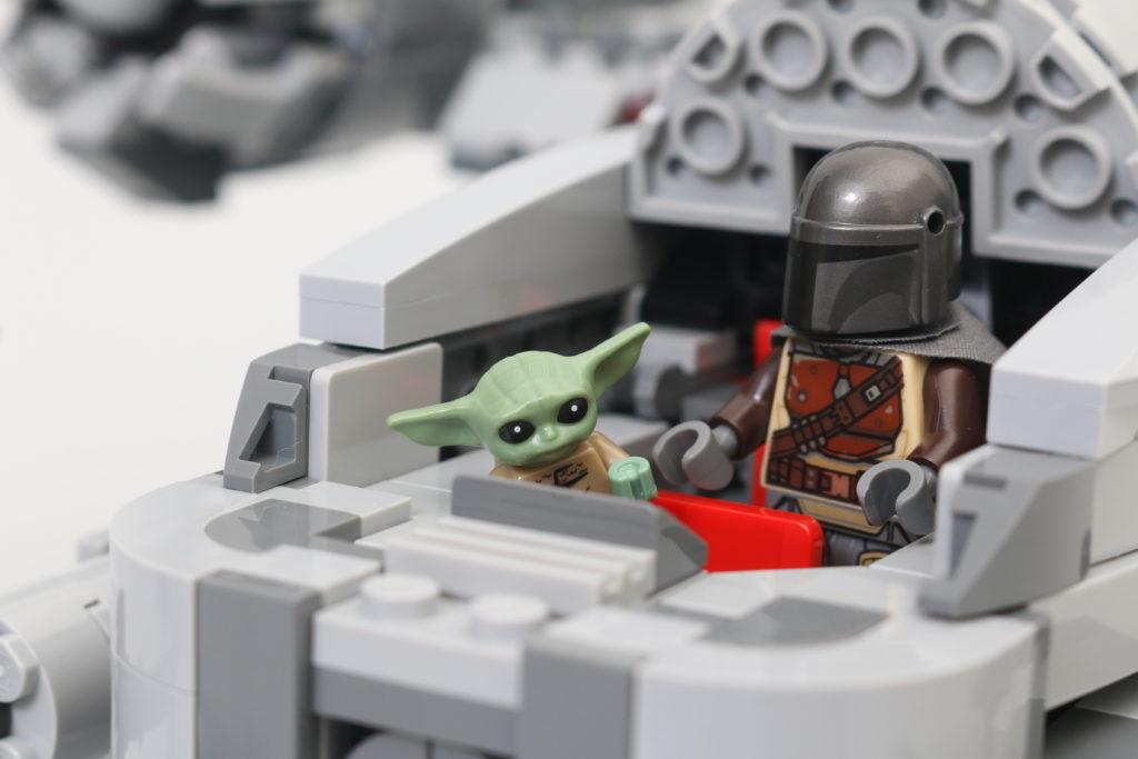 LEGO Star Wars 75292 The Mandalorian Bounty Hunter Transport The Razor Crest Review 34