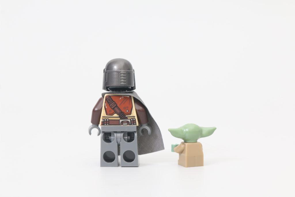 LEGO Star Wars 75292 The Mandalorian Bounty Hunter Transport The Razor Crest Review 4