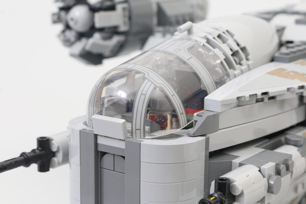 LEGO Star Wars 75292 The Mandalorian Bounty Hunter Transport The Razor Crest Review 9