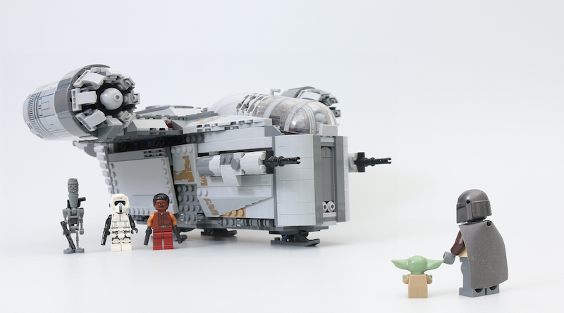 LEGO Star Wars 75292 The Mandalorian Bounty Hunter Transport The Razor Crest Review Title