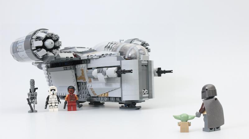 LEGO Star Wars 75292 The Mandalorian Bounty Hunter Transport The Razor Crest review title