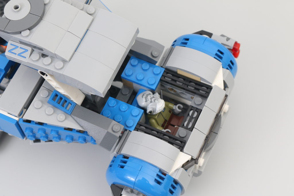 LEGO Star Wars 75293 Resistance I TS Transport Review 10