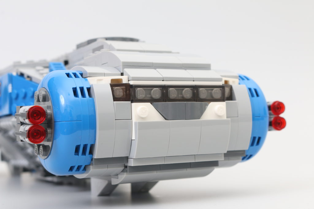LEGO Star Wars 75293 Resistance I TS Transport Review 11