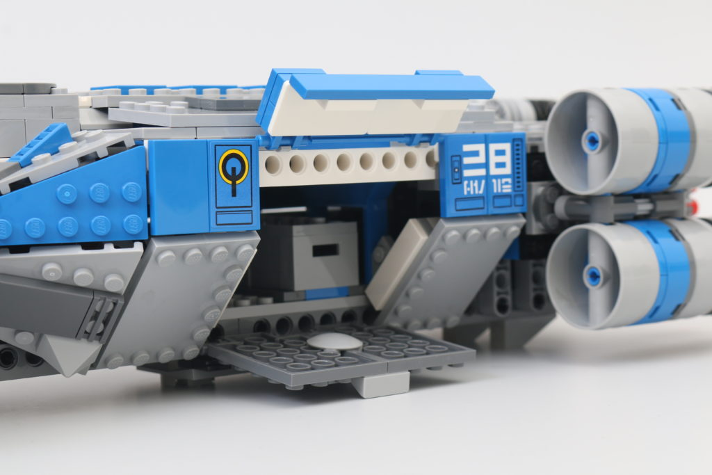 LEGO Star Wars 75293 Resistance I TS Transport Review 13