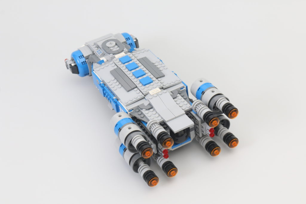 LEGO Star Wars 75293 Resistance I TS Transport Review 17