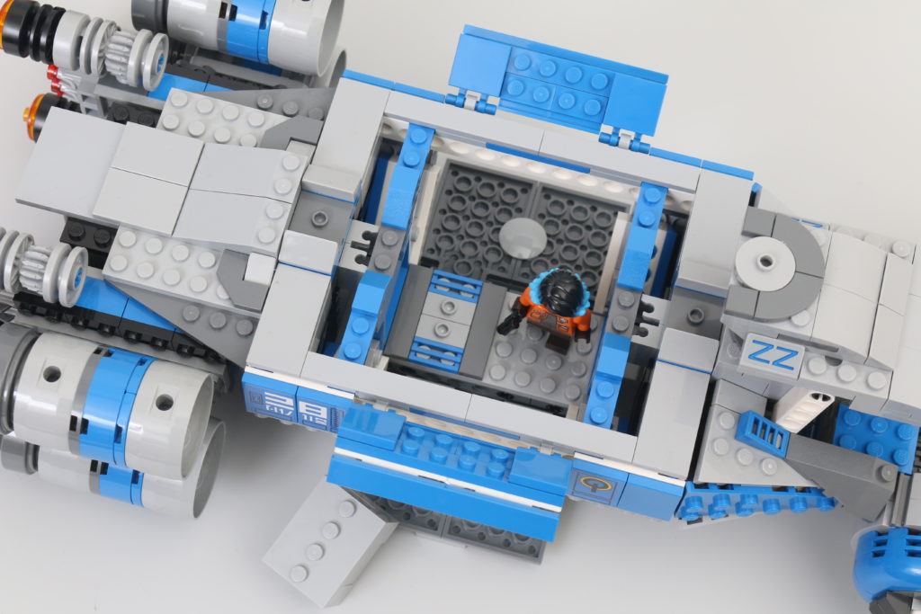 LEGO Star Wars 75293 Resistance I TS Transport Review 9