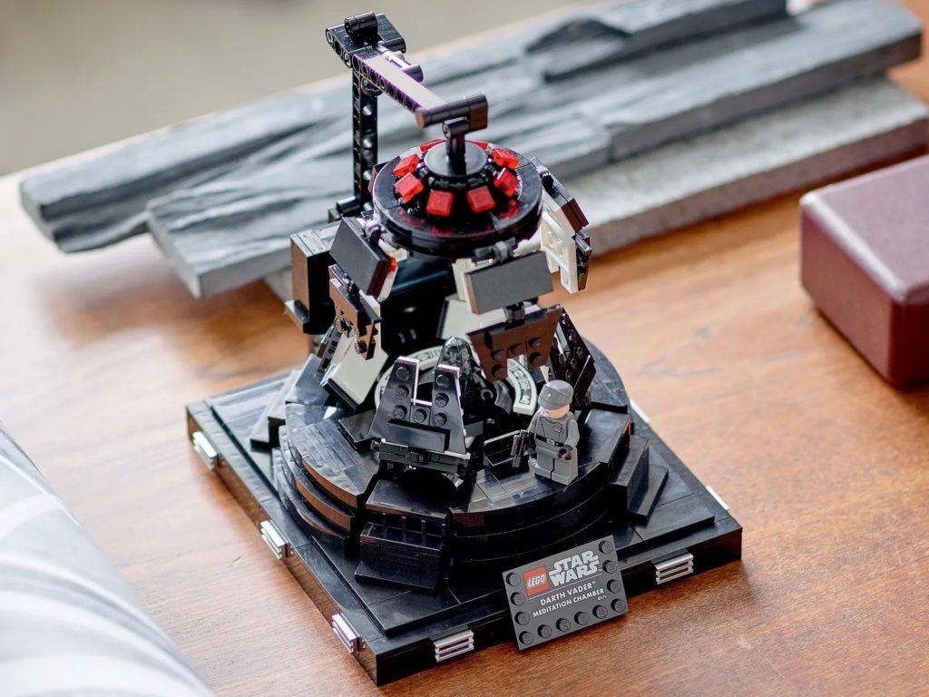 LEGO Star Wars 75296 Darth Vader Meditation Chamber 8