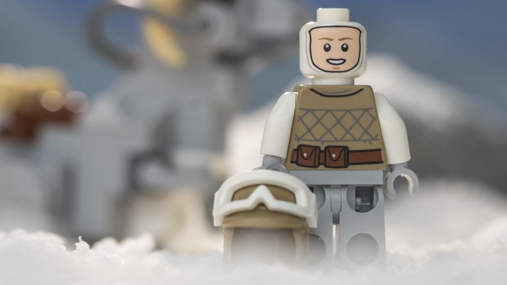 LEGO Star Wars 75298 AT AT Vs Tauntaun 1
