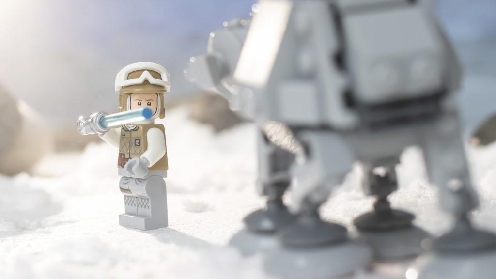 LEGO Star Wars 75298 AT AT Vs Tauntaun 11