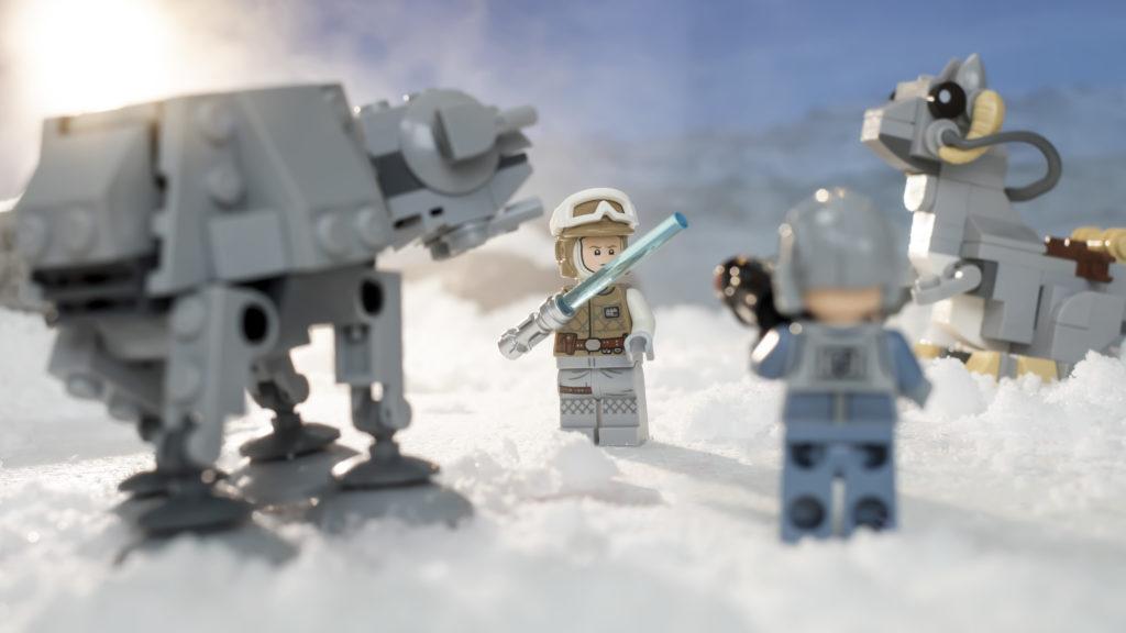 LEGO Star Wars 75298 AT AT Vs Tauntaun 14