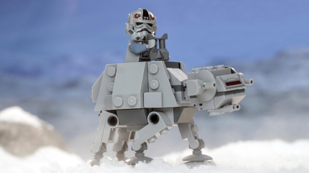 LEGO Star Wars 75298 AT AT Vs Tauntaun 15