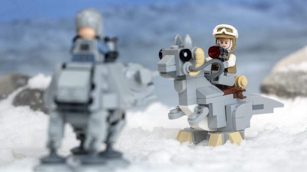 LEGO Star Wars 75298 AT AT Vs Tauntaun 17