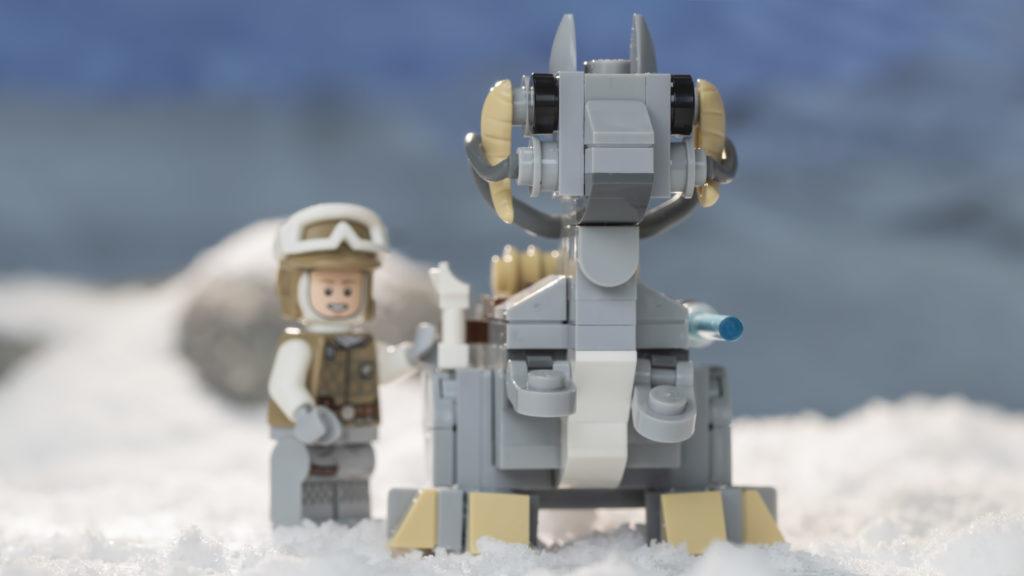 LEGO Star Wars 75298 AT AT Vs Tauntaun 21
