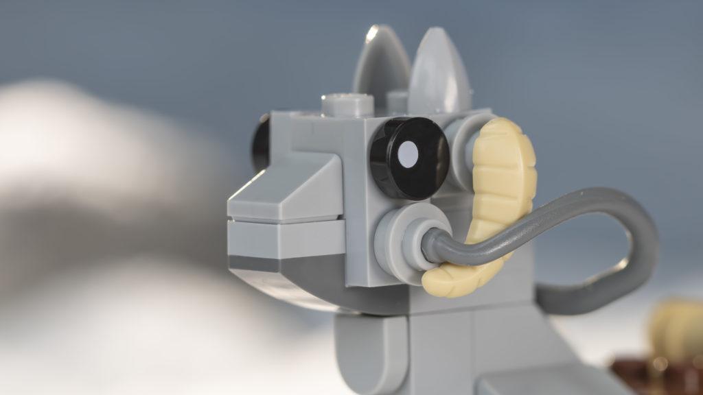 LEGO Star Wars 75298 AT AT Vs Tauntaun 23
