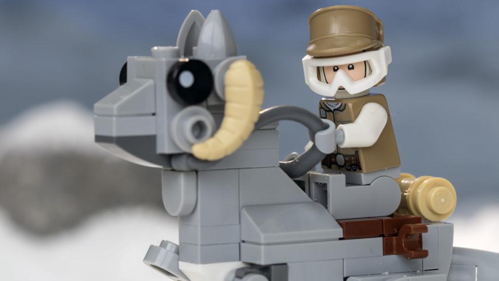 LEGO Star Wars 75298 AT AT Vs Tauntaun 24