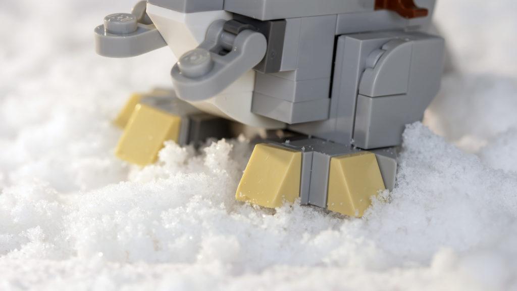 LEGO Star Wars 75298 AT AT Vs Tauntaun 25