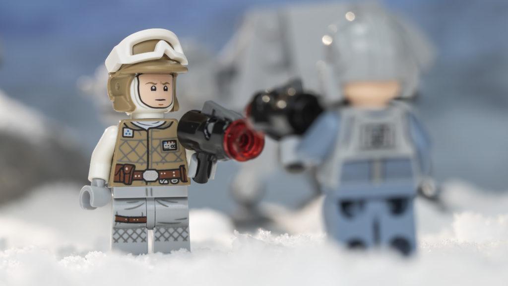 LEGO Star Wars 75298 AT AT Vs Tauntaun 3