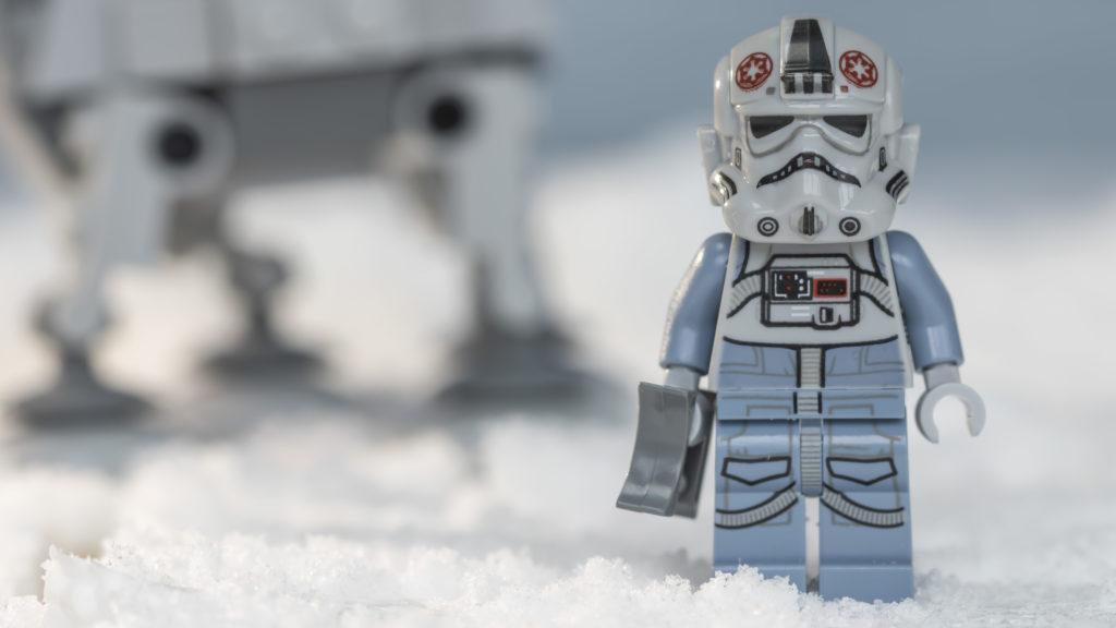 LEGO Star Wars 75298 AT AT Vs Tauntaun 5