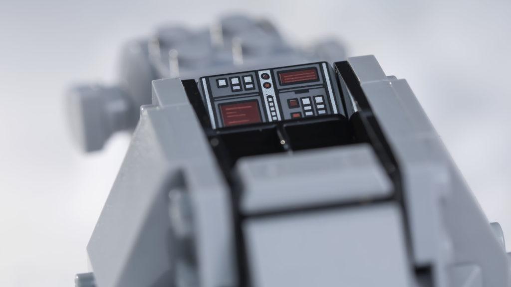 LEGO Star Wars 75298 AT AT Vs Tauntaun 7