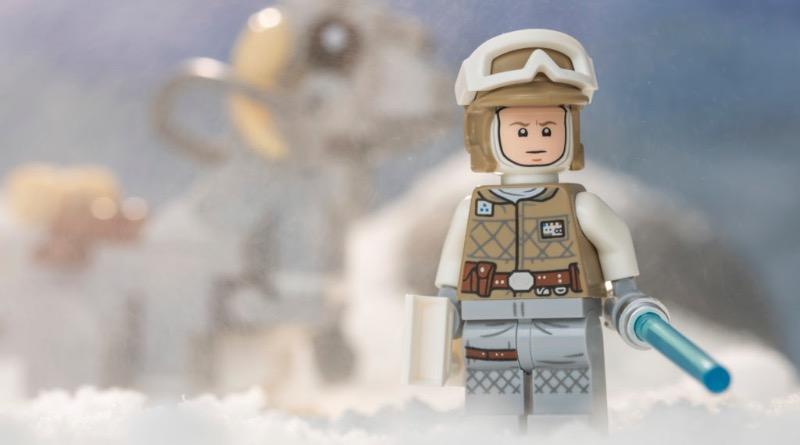 LEGO Star Wars 75298 AT AT Vs Tauntaun Featured 2 1