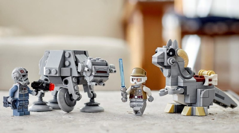 LEGO Star Wars 75298 Lifestyle Featured