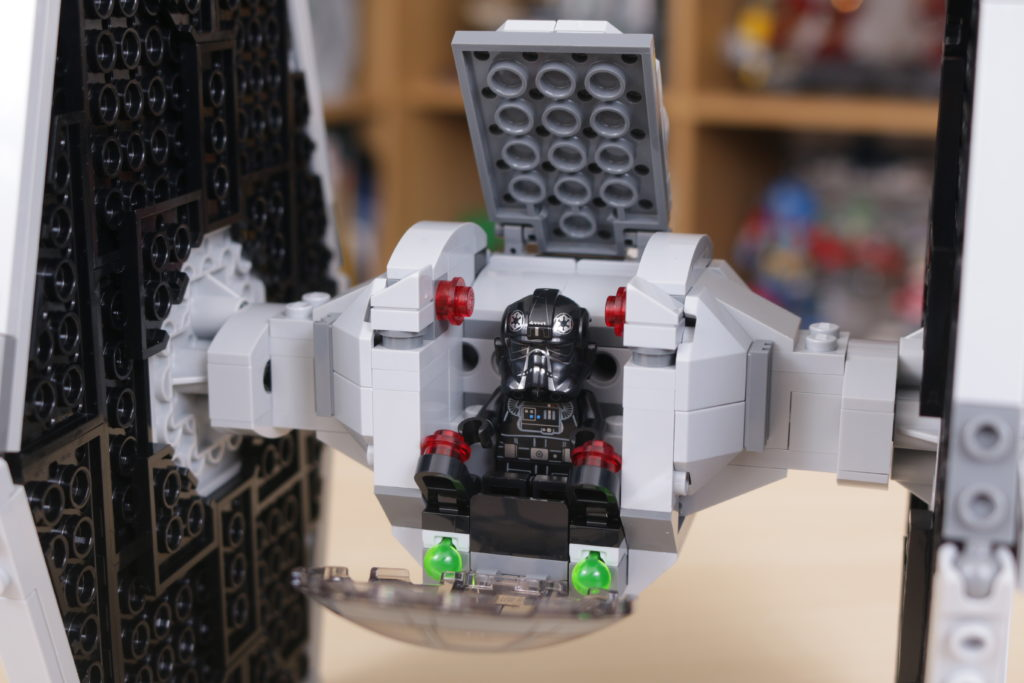 LEGO Star Wars 75300 Imperial TIE Fighter review 10