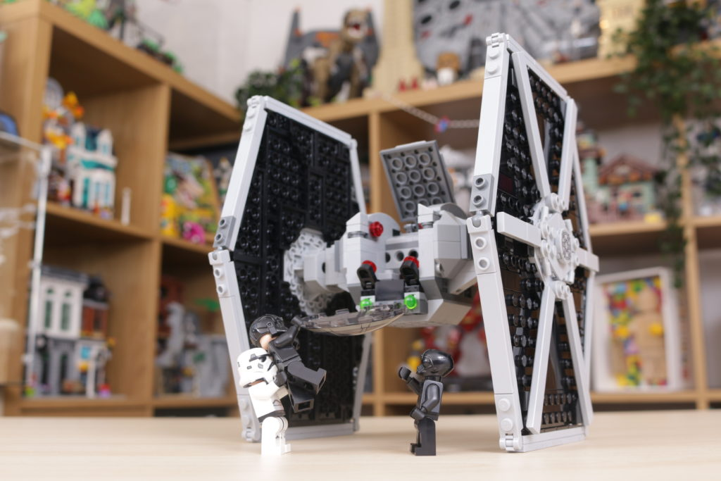 LEGO Star Wars 75300 Imperial TIE Fighter review 19