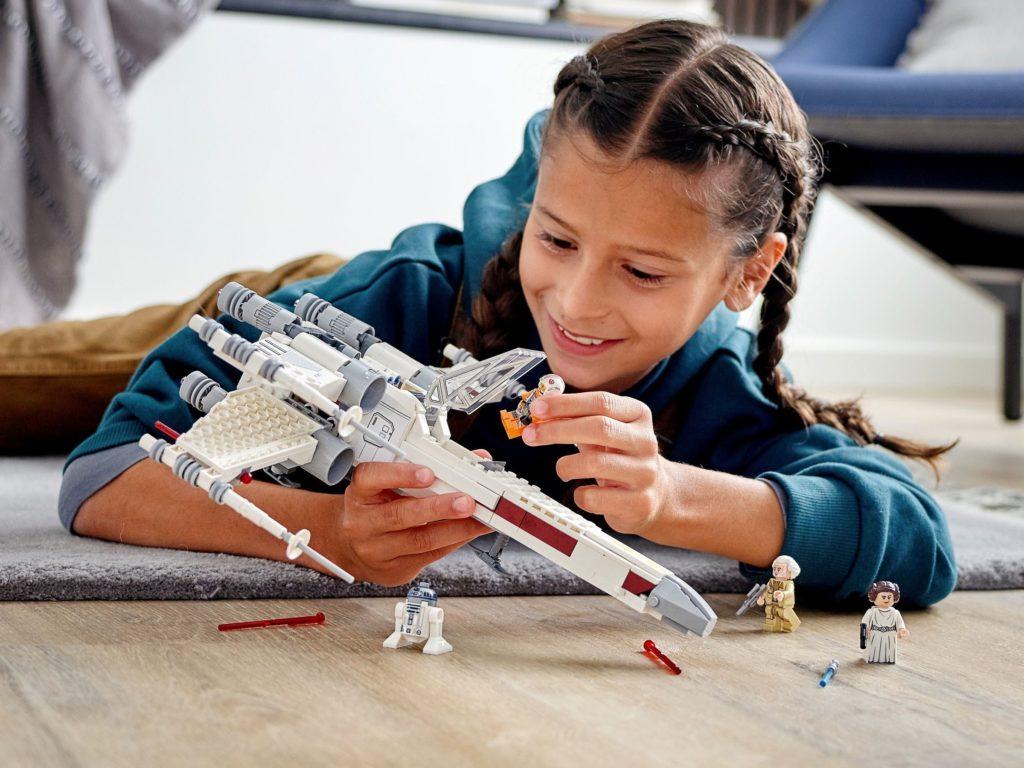 LEGO Star Wars 75301 Luke Skywalker X Wing Starfighter 4