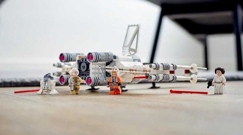 LEGO Star Wars 75301 Luke Skywalkers X Wing Fighter Featured