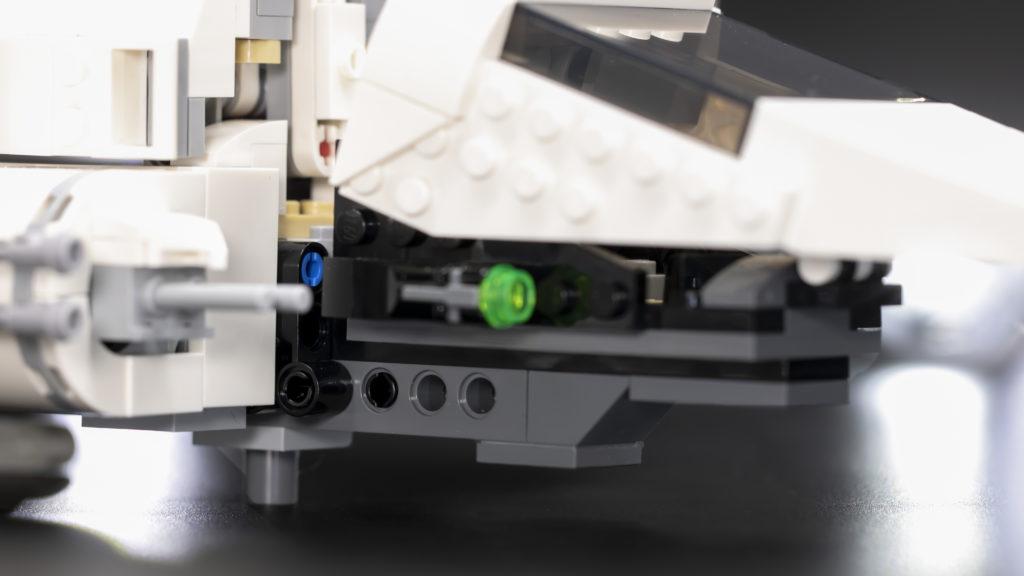 LEGO Star Wars 75302 Imperial Shuttle 11