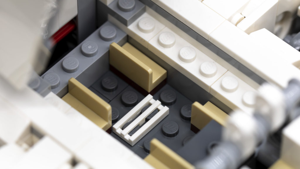 LEGO Star Wars 75302 Imperial Shuttle 23