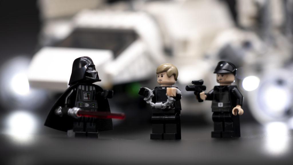 LEGO Star Wars 75302 Imperial Shuttle 26